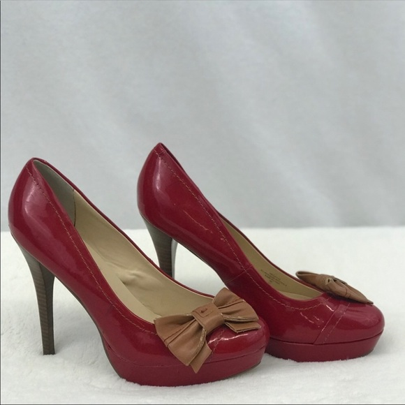 a5d863eb3cc Guess Red and Tan Wgcaylee Pumps